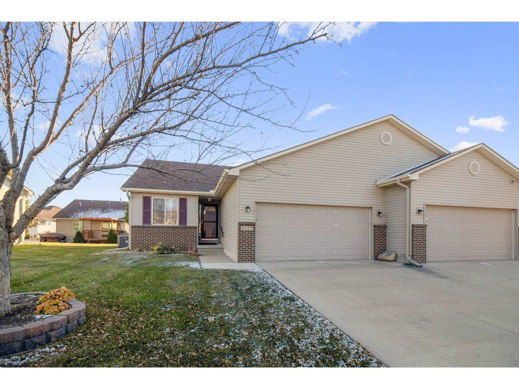 3117 Turnberry Drive - Photo 1