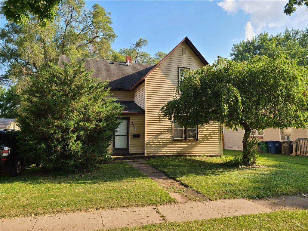 2519 Logan Avenue - Photo 1