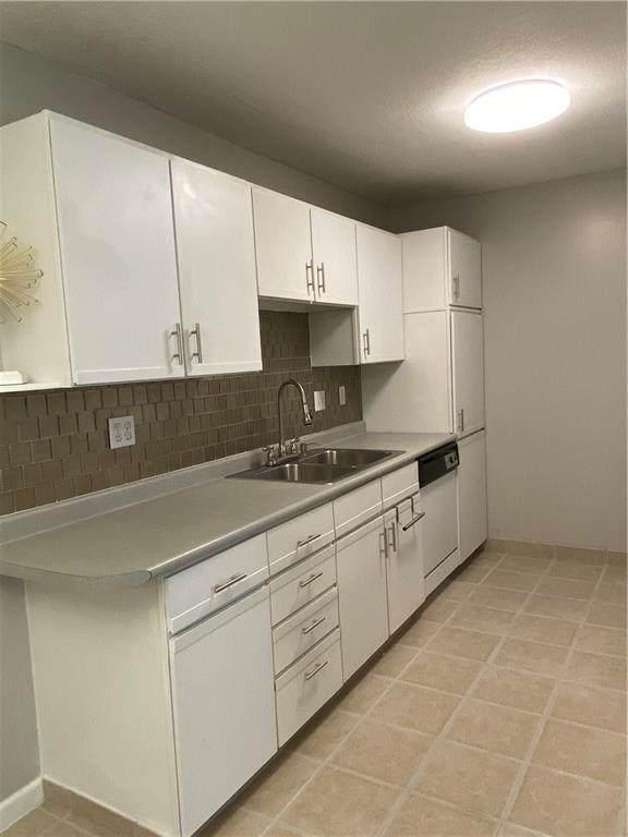 9513 University Avenue #3, Clive, IA 50325 (MLS #611557) :: EXIT Realty Capital City