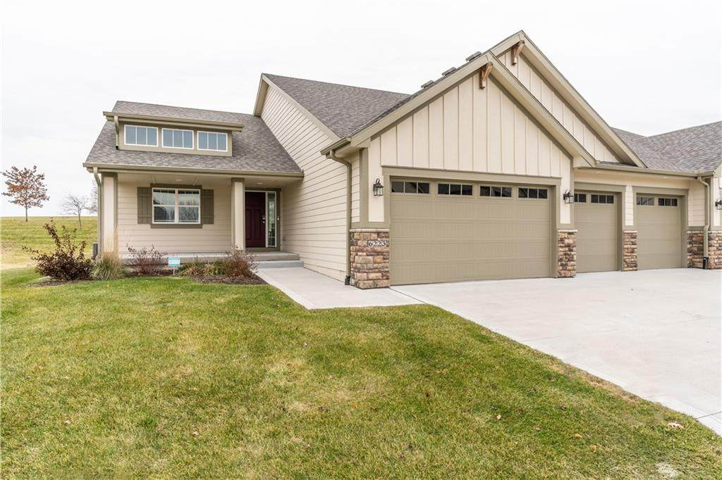 6227 Waterford Court - Photo 1