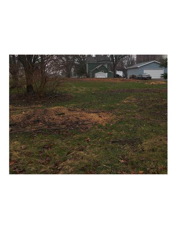 214 3rd Street NE, Mitchellville, IA 50169 (MLS #625016) :: EXIT Realty Capital City