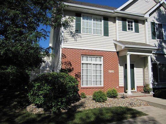 2174 Ridgeview Circle, Clive, IA 50325 (MLS #628947) :: Pennie Carroll & Associates