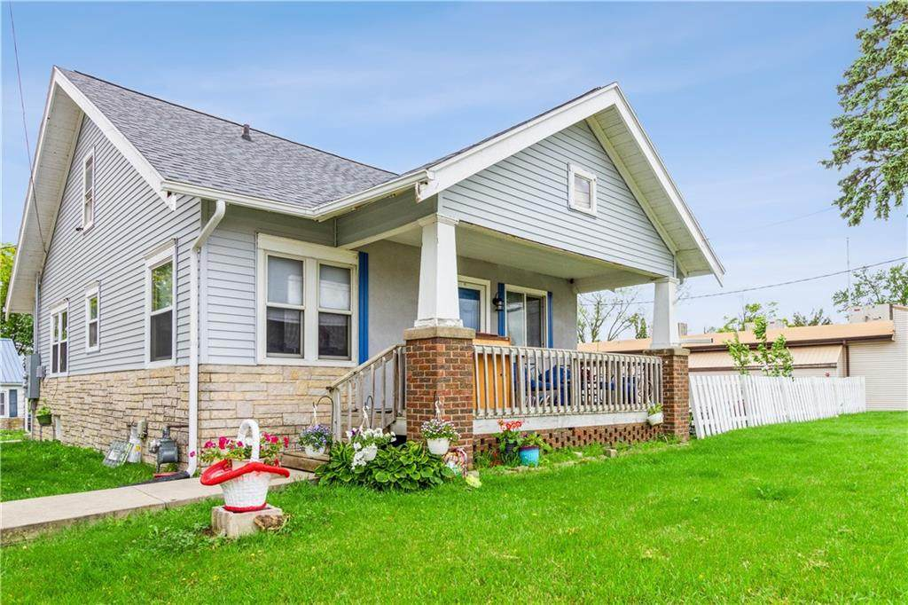 1008 Lincoln Highway - Photo 1