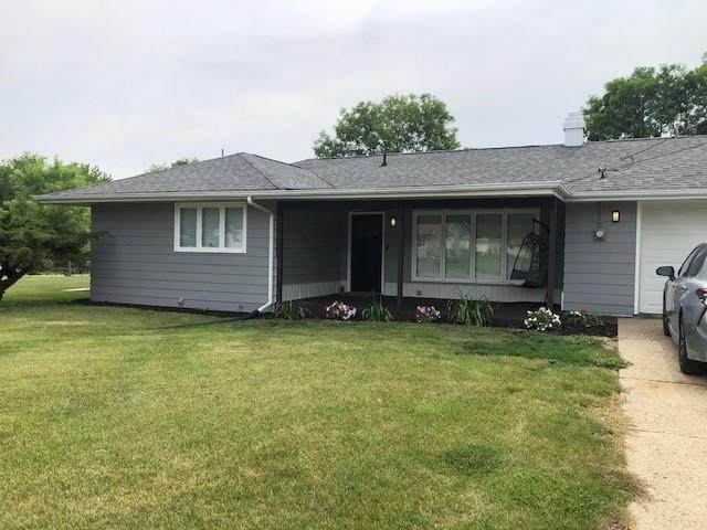 425 Olive Street, Martensdale, IA 50160 (MLS #632203) :: Better Homes and Gardens Real Estate Innovations