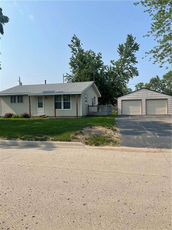 334 Pattee Street, Perry, IA 50220 (MLS #633751) :: Better Homes and Gardens Real Estate Innovations