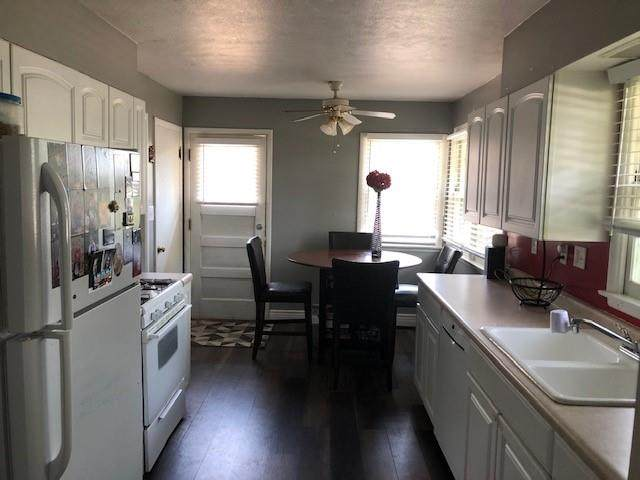 508 25th Street, West Des Moines, IA 50265 (MLS #634197) :: Pennie Carroll & Associates