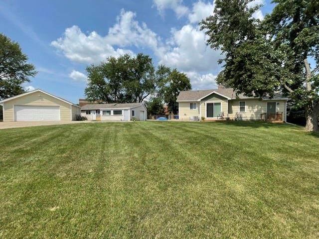 2946 Indianola Avenue, Des Moines, IA 50315 (MLS #634870) :: Moulton Real Estate Group