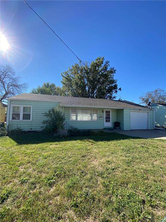 3 Holiday Court, Newton, IA 50208 (MLS #639897) :: Better Homes and Gardens Real Estate Innovations