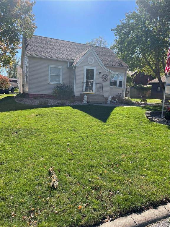 609 Lincoln Street, Pella, IA 50219 (MLS #639914) :: Better Homes and Gardens Real Estate Innovations