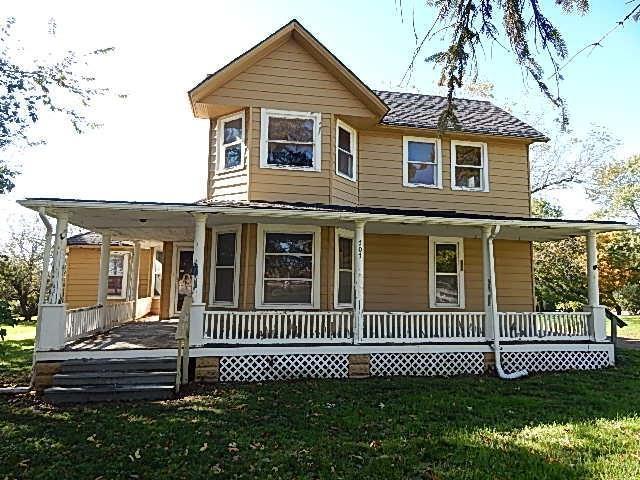 707 N 12th Street, Guthrie Center, IA 50115 (MLS #571127) :: Colin Panzi Real Estate Team
