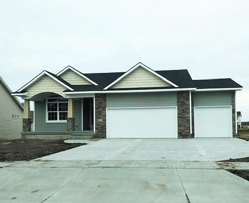 2424 Maple Street, Granger, IA 50109 (MLS #574085) :: Moulton & Associates Realtors