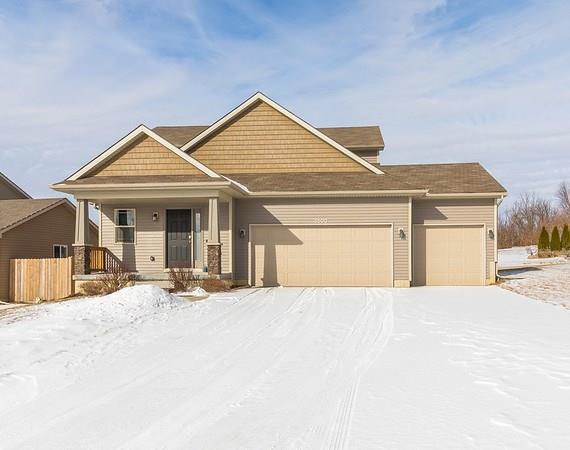 3500 E Southlawn Drive, Des Moines, IA 50320 (MLS #576442) :: Moulton & Associates Realtors
