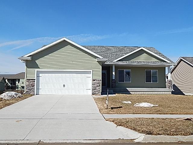 212 NE Megan Avenue, Elkhart, IA 50073 (MLS #577584) :: Better Homes and Gardens Real Estate Innovations