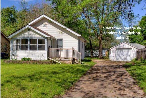 3948 40th Street, Des Moines, IA 50310 (MLS #583246) :: Colin Panzi Real Estate Team
