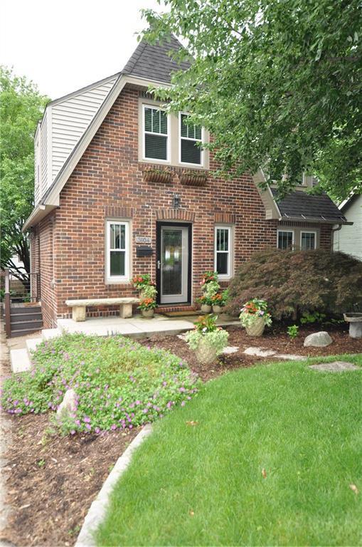 3604 Iola Avenue, Des Moines, IA 50312 (MLS #585255) :: Pennie Carroll & Associates