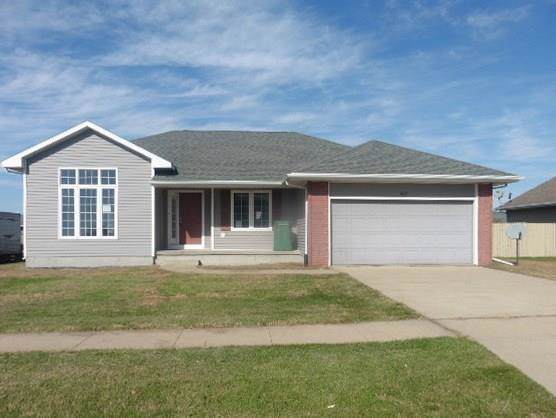 207 W Ashtyn Lane, Prairie City, IA 50228 (MLS #595038) :: Better Homes and Gardens Real Estate Innovations