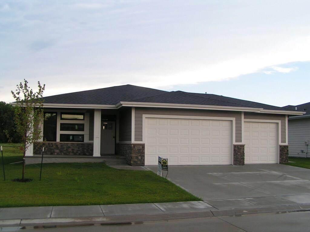 9082 Hayden Drive - Photo 1