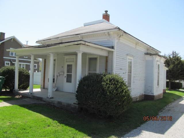 704 Adams Street, Creston, IA 50801 (MLS #560395) :: Colin Panzi Real Estate Team