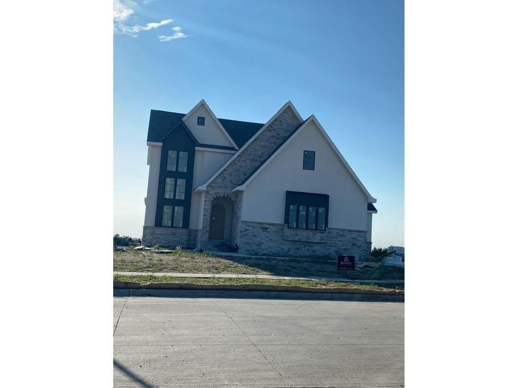 6106 Briarwood Drive - Photo 1