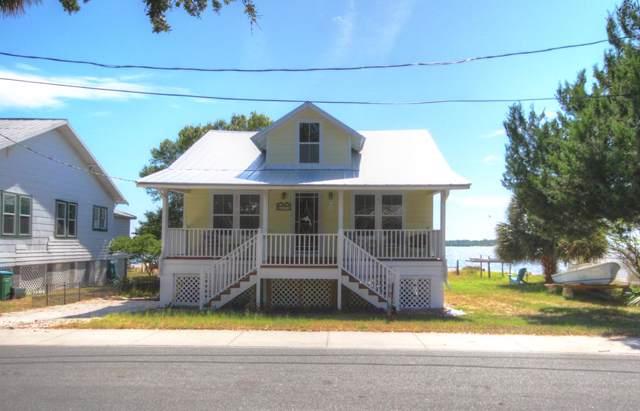 652 1st St, Cedar Key, FL 32625 (MLS #778861) :: Pristine Properties