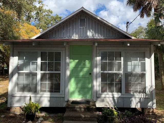 12391 Live Oak Street, Cedar Key, FL 32625 (MLS #781115) :: Compass Realty of North Florida