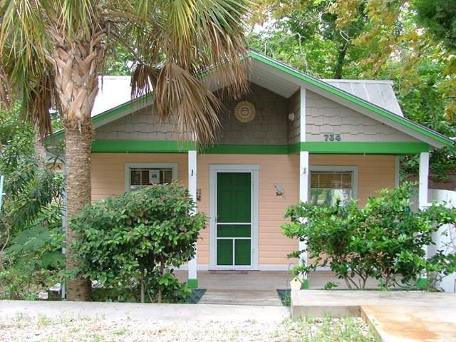 734 6th St, Cedar Key, FL 32625 (MLS #773560) :: Pristine Properties