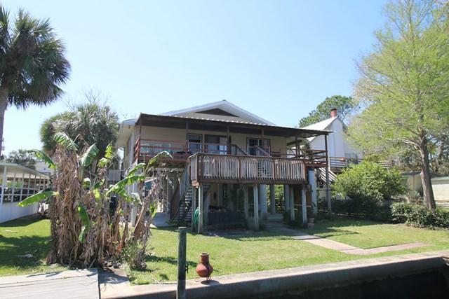 132 SE 903 AVE, Suwannee, FL 32692 (MLS #773598) :: Pristine Properties
