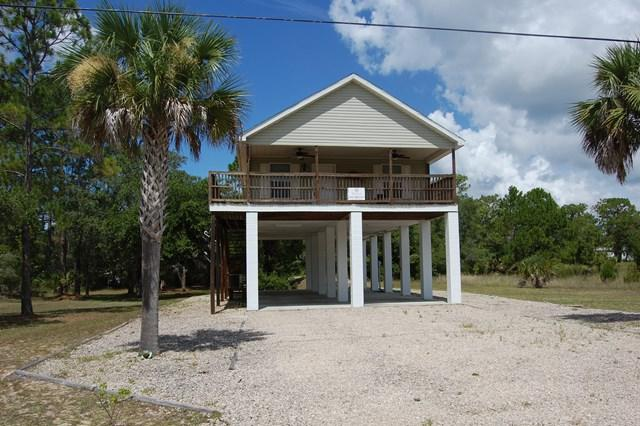 1 SE Ninth St, Steinhatchee, FL 32359 (MLS #774150) :: Hatcher Realty Services Inc.