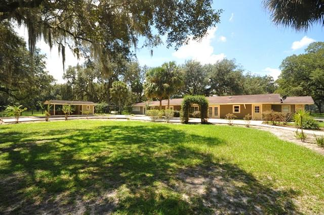 6950 NW 87th Pl, Chiefland, FL 32626 (MLS #774429) :: Pristine Properties