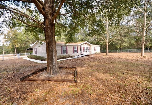 17271 NW 81st Terr, Fanning Springs, FL 32693 (MLS #775216) :: Pristine Properties
