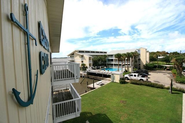 82 2nd St #211, Cedar Key, FL 32625 (MLS #775341) :: Pristine Properties