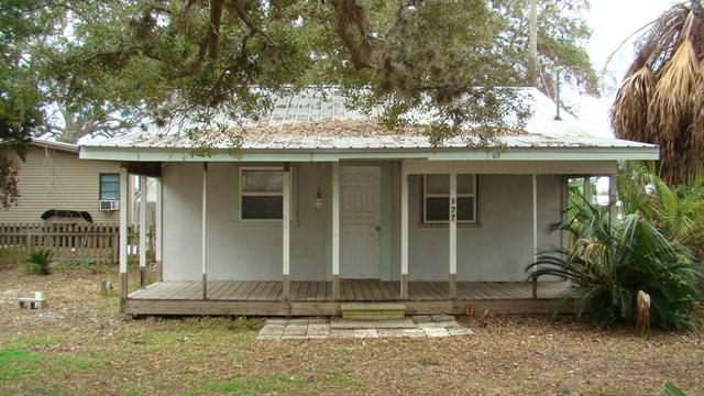 177 E 4th Ave, Horseshoe Beach, FL 32648 (MLS #776722) :: Pristine Properties