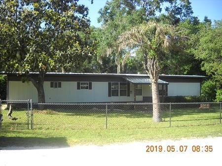 24 SE 300th Avenue, Old Town, FL 32680 (MLS #777874) :: Pristine Properties