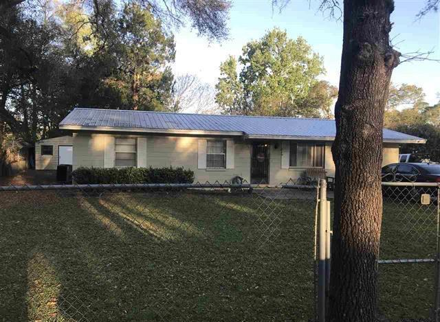 219 NE 5th St, Chiefland, FL 32626 (MLS #777955) :: Pristine Properties