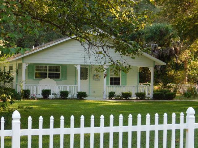 6850 NW 106th Street, Chiefland, FL 32626 (MLS #778693) :: Pristine Properties