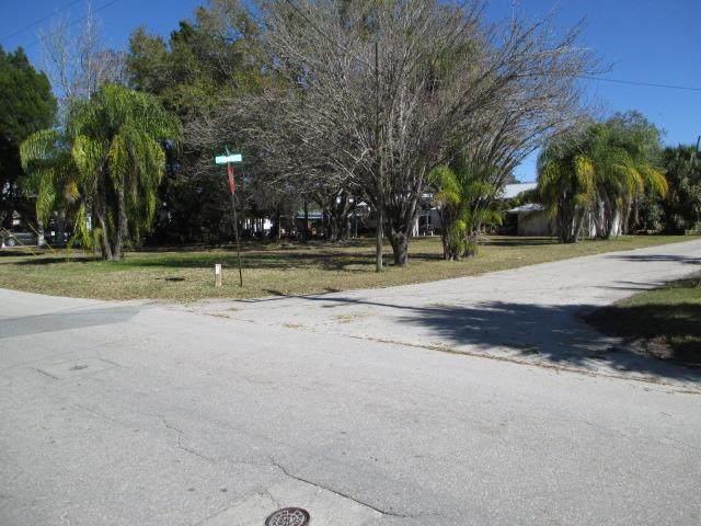 249 228 St SE, Suwannee, FL 32692 (MLS #779532) :: Better Homes & Gardens Real Estate Thomas Group