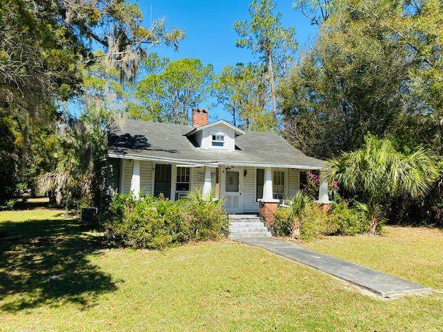 146 Masonic Street, Bronson, FL 32621 (MLS #779541) :: Pristine Properties
