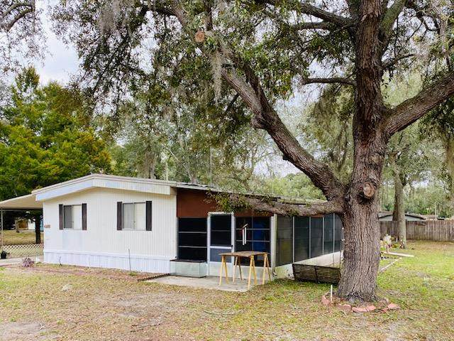 11211 NW 113 Street, Chiefland, FL 32626 (MLS #779557) :: Pristine Properties