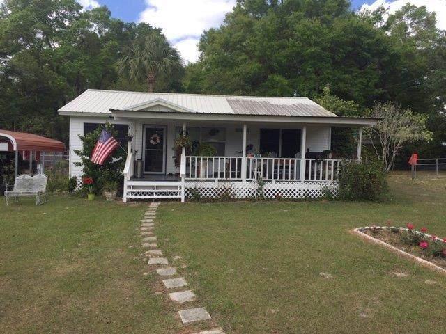 222 NE 6th Street, Chiefland, FL 32626 (MLS #779774) :: Pristine Properties