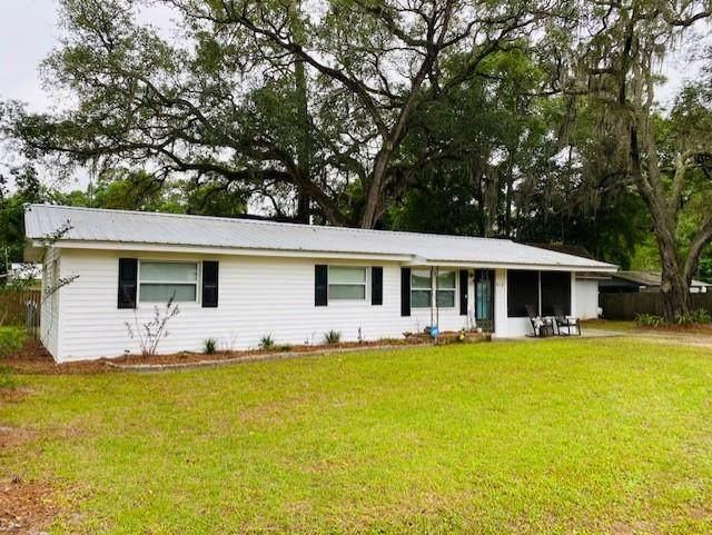 412 SW 3rd Ave, Trenton, FL 32693 (MLS #782045) :: Hatcher Realty Services Inc.