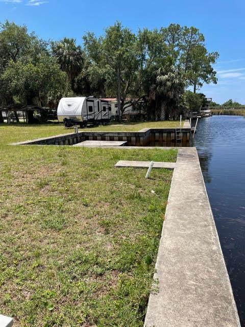 42 240th Ave SE, Suwannee, FL 32692 (MLS #782241) :: Pristine Properties