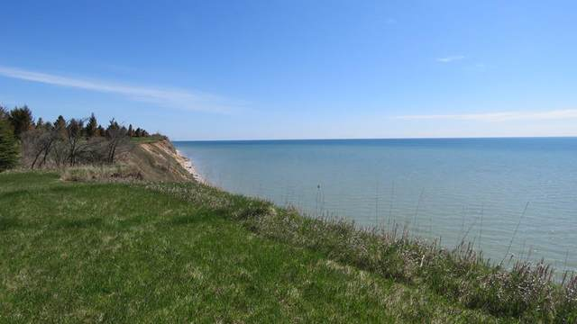 610 Lakeshore Dr, Kewaunee, WI 54216 (#133347) :: Town & Country Real Estate