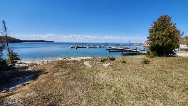 921 Cottage Rd, Gills Rock, WI 54210 (#135634) :: Town & Country Real Estate