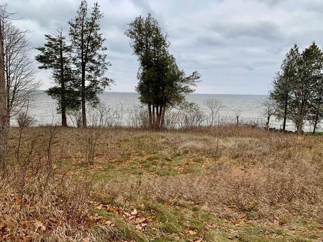9638 Pullman Point Place, Sturgeon Bay, WI 54235 (#136094) :: Town & Country Real Estate