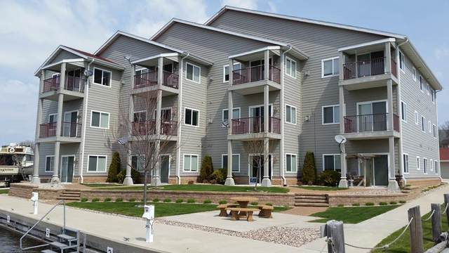20 Shanty Rd #203, Algoma, WI 54201 (#136517) :: Town & Country Real Estate