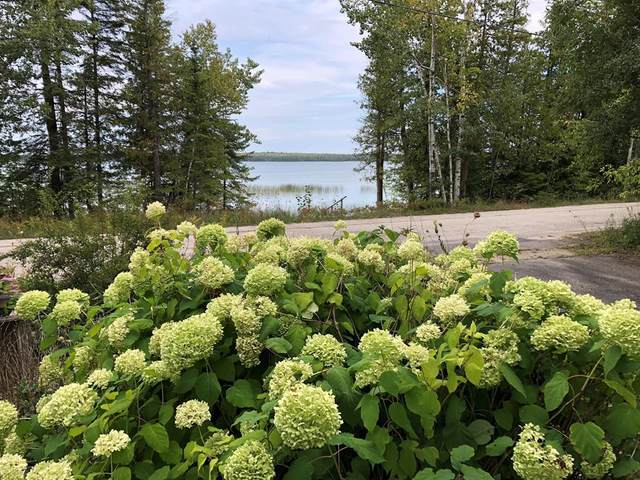 9589 N Bay Dr, Baileys Harbor, WI 54202 (#137387) :: Town & Country Real Estate