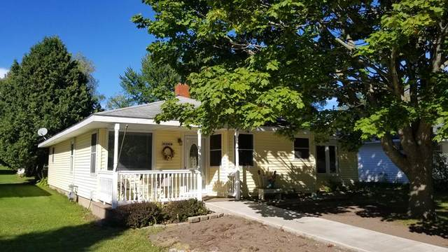 944 Superior St, Sturgeon Bay, WI 54235 (#137399) :: Town & Country Real Estate