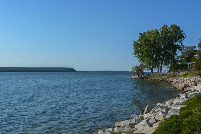 3863 Bay Shore Dr, Sturgeon Bay, WI 54235 (#137400) :: Town & Country Real Estate