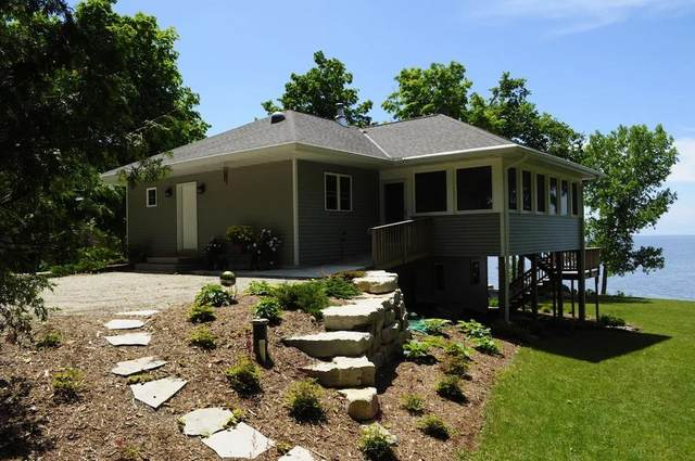 5423 Bay Shore Dr, Sturgeon Bay, WI 54235 (#136693) :: Town & Country Real Estate