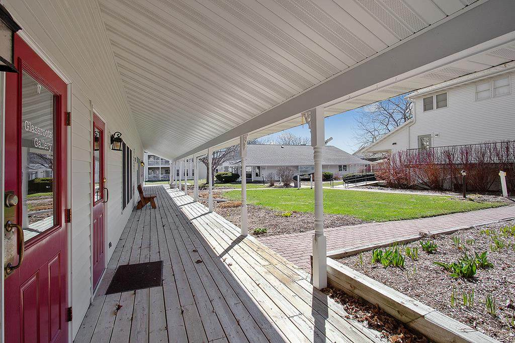 10592 Country Walk Dr - Photo 1
